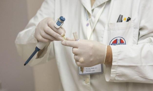 Gezonde darmen dankzij poepinjectie?