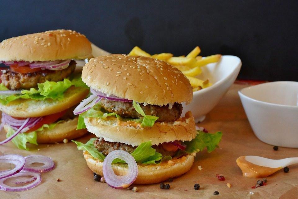 Dit is wat ongezonde voeding met je afweersysteem doet!