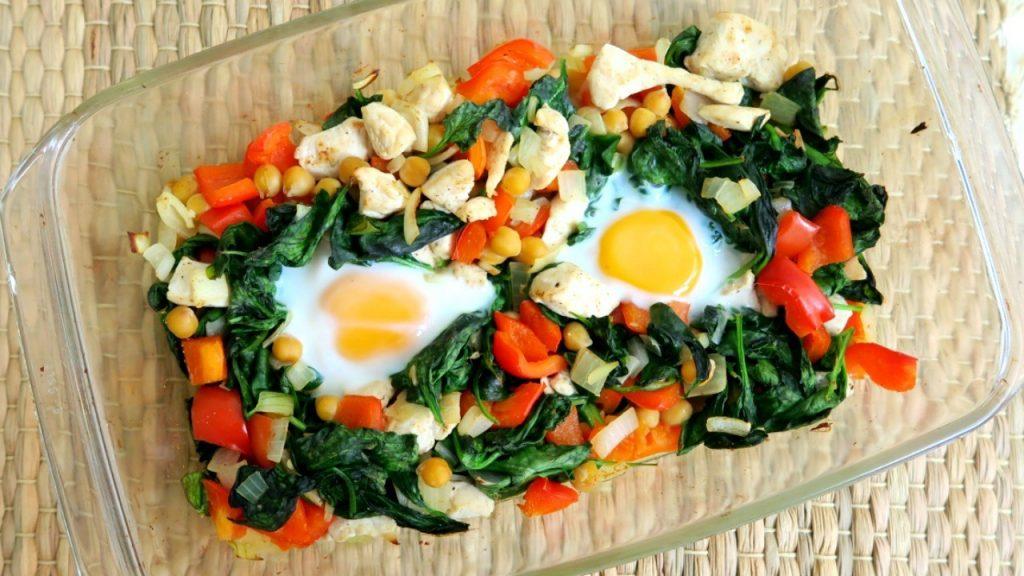Ovenschotel met kip, spinazie en kikkererwten