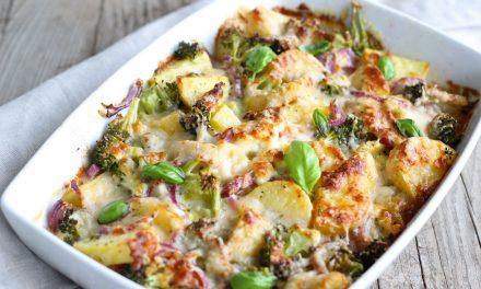Vegetarische aardappel broccoli ovenschotel